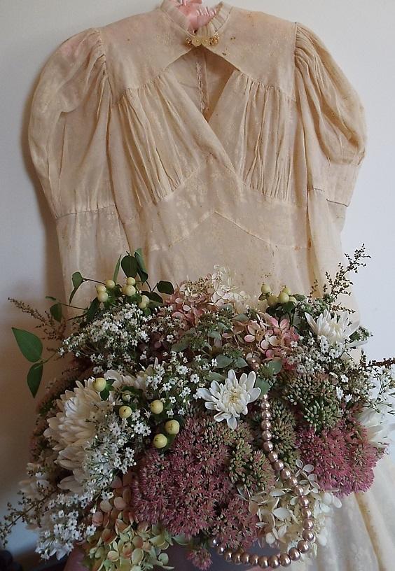 Joan Avato's Flowers 1