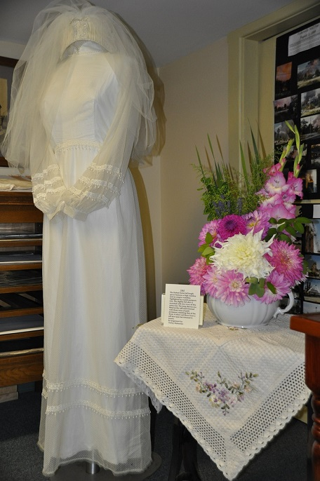 1960s gown-Farley Nishanian Flowers